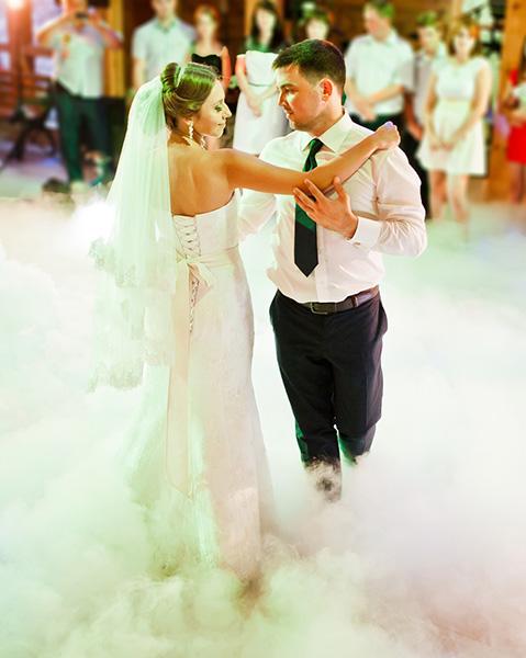 Dekoracja-swiatłem-wesela